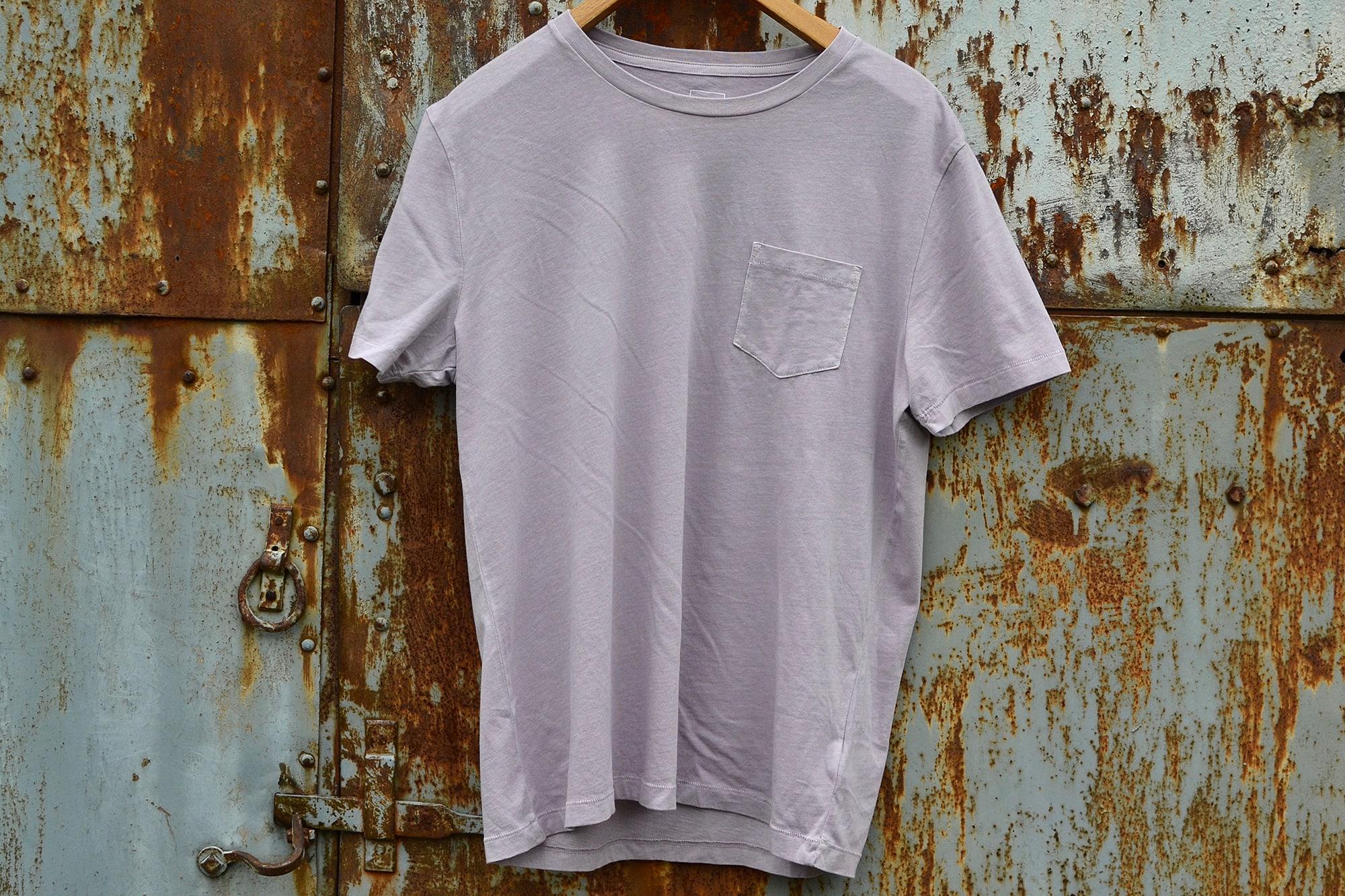 GAP un bon choix de tee shirt rose / violet / lavande pour un homme